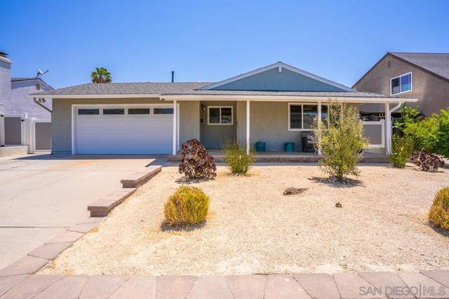 10109 Ashdale Ln, Santee, CA 92071 (#210017363) :: The Stein Group