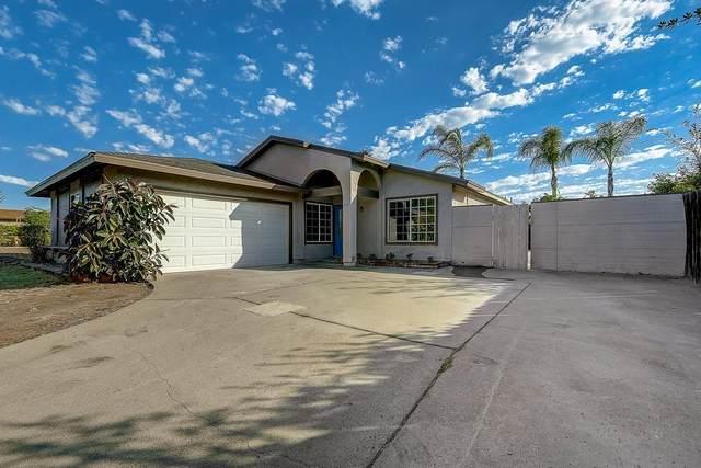 1121 N N Rose St, Escondido, CA 92027 (#210019343) :: Team Forss Realty Group
