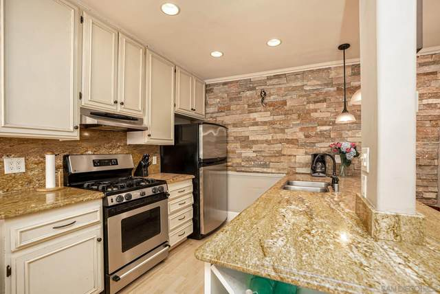 1024 Loring St #10, San Diego, CA 92109 (#210019676) :: SunLux Real Estate