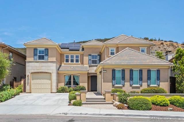 939 Tucana Drive, San Marcos, CA 92078 (#210020271) :: Dannecker & Associates