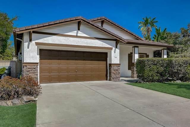 744 Via Barquero, San Marcos, CA 92069 (#210020873) :: Team Forss Realty Group