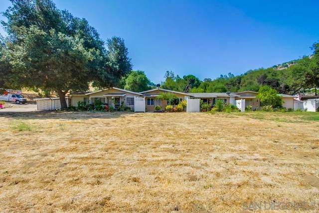 9075 Old Castle, Valley Center, CA 92082 (#210020923) :: Solis Team Real Estate