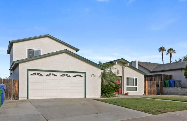 9952 Jeremy St, Santee, CA 92071 (#210021774) :: SunLux Real Estate