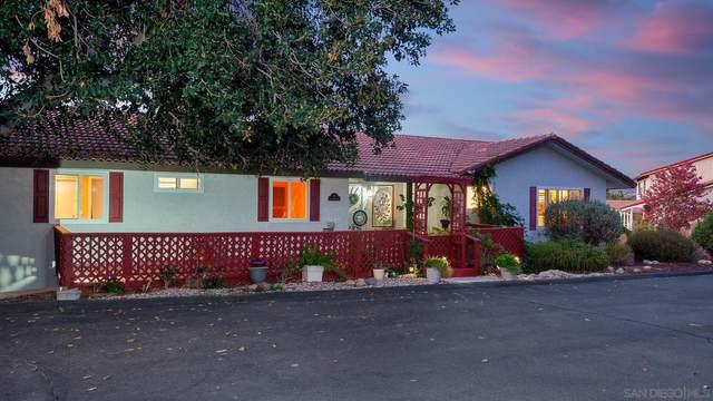 252 Vista Grande Gln, Escondido, CA 92025 (#210022120) :: Solis Team Real Estate