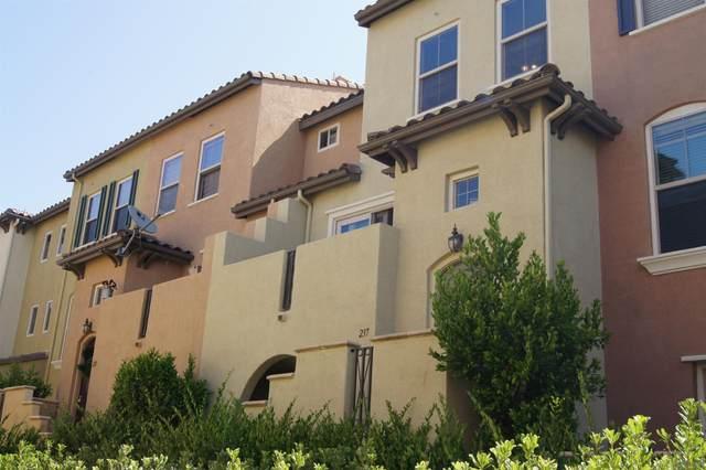 237 Marquette, San Marcos, CA 92078 (#210023087) :: Carrie Filla & Associates