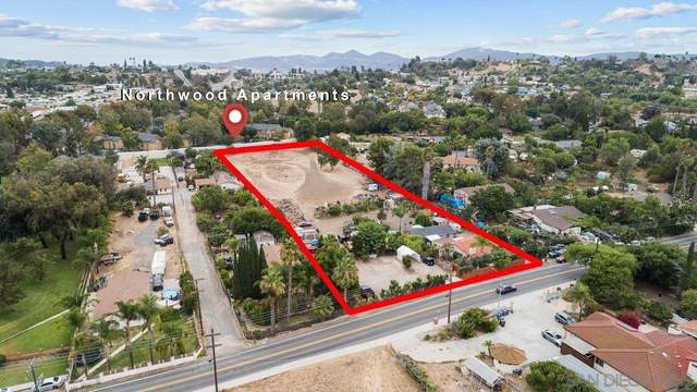 462 Smilax Rd, San Marcos, CA 92078 (#210023434) :: Neuman & Neuman Real Estate Inc.