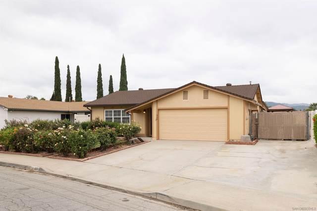 420 Linwood St, Escondido, CA 92027 (#210024037) :: Solis Team Real Estate