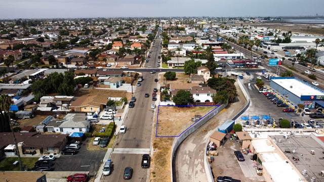 Dahlia Ave #1, San Diego, CA 92154 (#210024837) :: Solis Team Real Estate