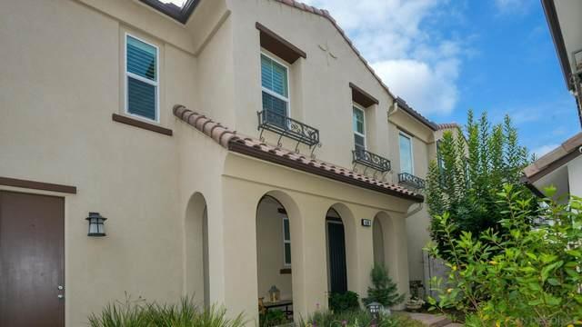 4106 Via Del Rey, Oceanside, CA 92057 (#210025407) :: Neuman & Neuman Real Estate Inc.