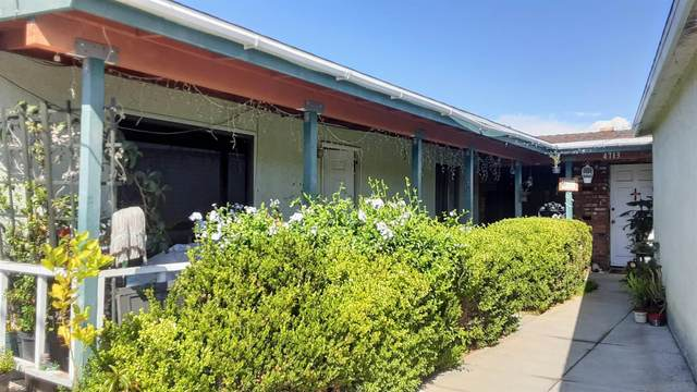 4711-13 Kleefeld, San Diego, CA 92117 (#210026121) :: Windermere Homes & Estates