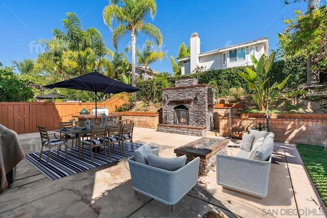 11338 Village Ridge Rd, San Diego, CA 92131 (#210026461) :: Compass