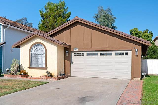 2341 Lake Forest St, Escondido, CA 92026 (#210026467) :: Solis Team Real Estate