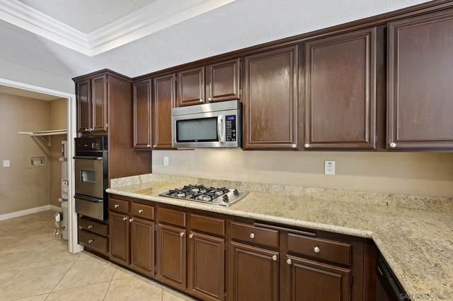 750 Breeze Hill Rd #99, Vista, CA 92081 (#210026595) :: Solis Team Real Estate