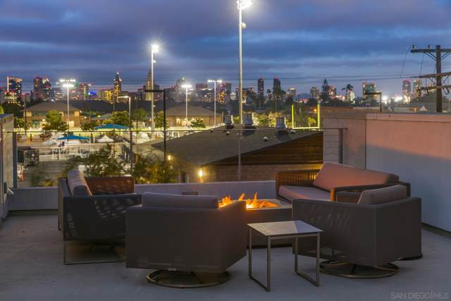 704 7th Street, Coronado, CA 92118 (#210026738) :: Dannecker & Associates