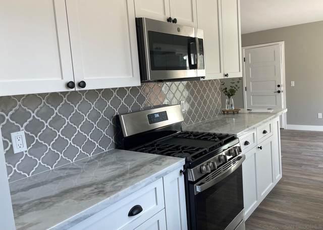 272 Shasta St, Chula Vista, CA 91910 (#210026868) :: Carrie Filla & Associates