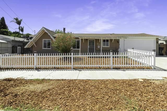 552 Carlsbad Street, Spring Valley, CA 91977 (#210027144) :: The Todd Team Realtors