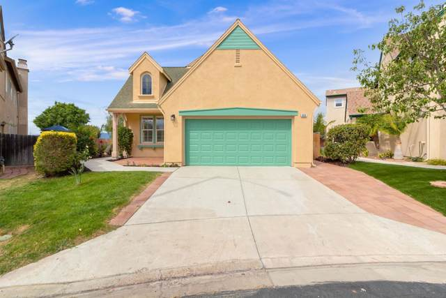 493 Poets Sq, Fallbrook, CA 92028 (#210028911) :: The Stein Group