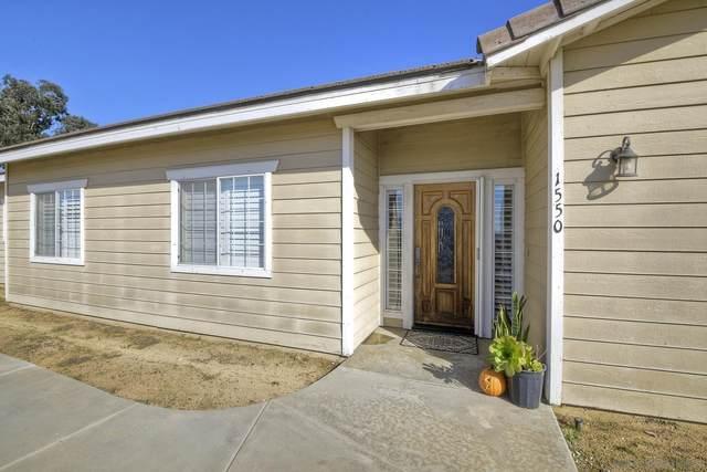 1550 Alturas Rd, Fallbrook, CA 92028 (#210028937) :: Solis Team Real Estate