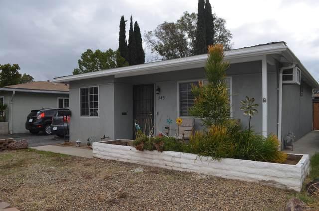 1745 E Grand Ave, Escondido, CA 92027 (#210029139) :: Windermere Homes & Estates