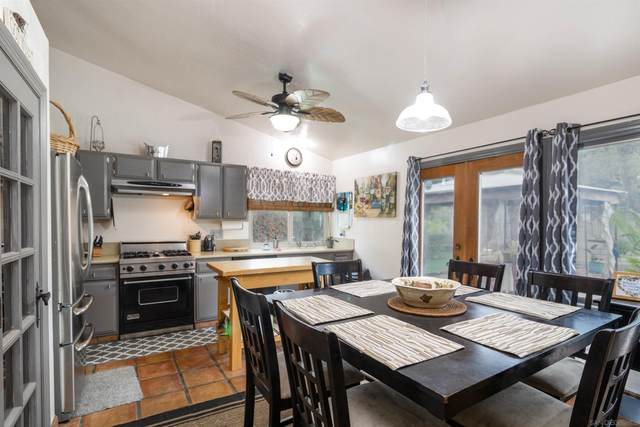 3051 Roseann Ave, Escondido, CA 92027 (#210029227) :: Wannebo Real Estate Group