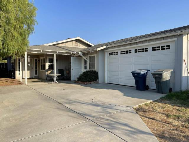 2140 Miller Ave, Escondido, CA 92025 (#210029305) :: Wannebo Real Estate Group