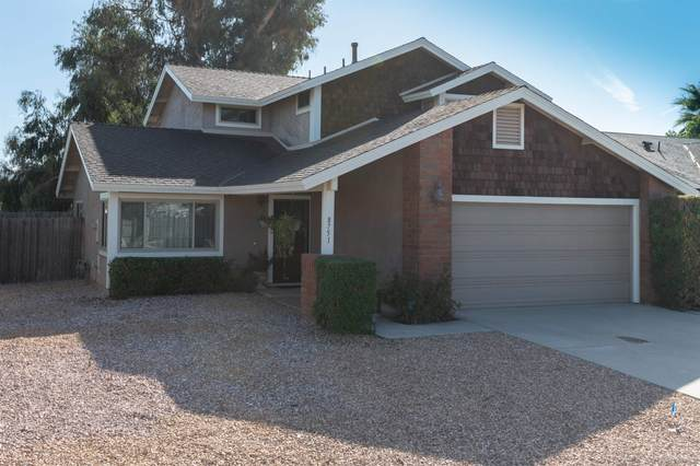 8751 Granite House Ln, Santee, CA 92071 (#210029640) :: COMPASS