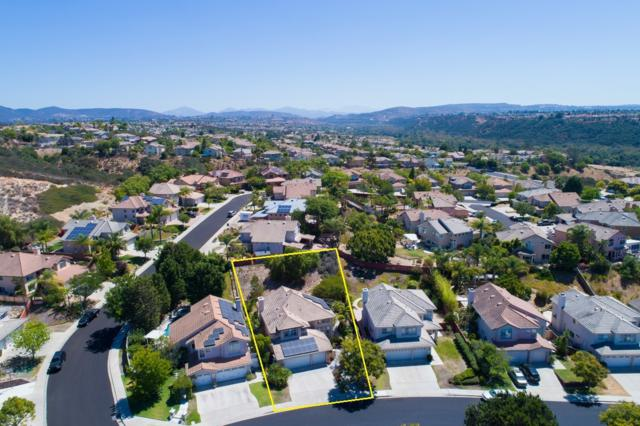 7126 Park Village Rd, Rancho Penasquitos, CA 92129 (#170043304) :: The Marelly Group | Realty One Group