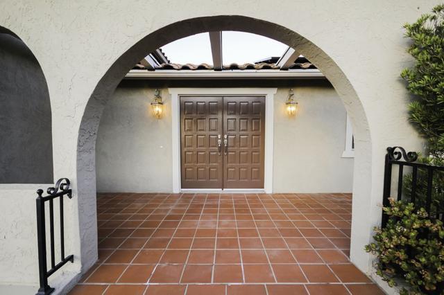 11000 Meadow Glen Way, Escondido, CA 92026 (#180007738) :: Neuman & Neuman Real Estate Inc.