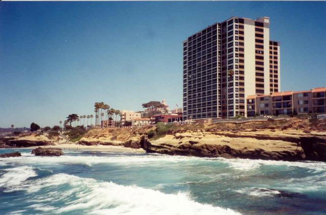 939 Coast Blvd 8A, La Jolla, CA 92037 (#180008498) :: The Yarbrough Group
