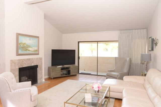 2607 Pirineos Way #207, Carlsbad, CA 92009 (#180016630) :: Keller Williams - Triolo Realty Group