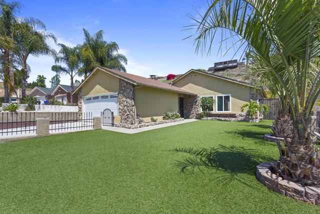 8454 Innsdale Lane, San Diego, CA 92114 (#180018888) :: Neuman & Neuman Real Estate Inc.