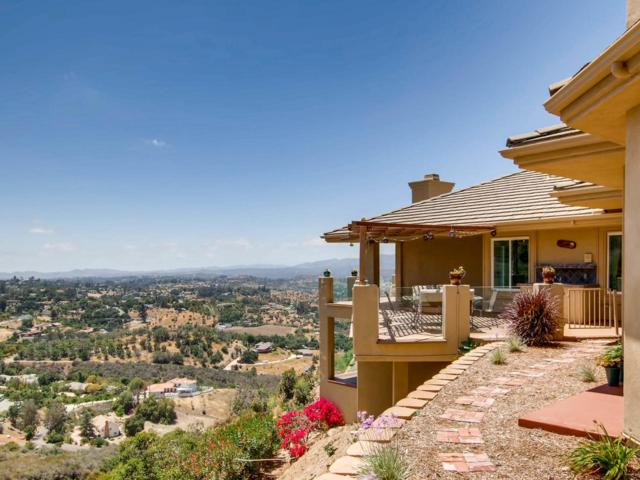 3335 Red Mountain Heights Dr, Fallbrook, CA 92028 (#180026852) :: The Houston Team | Coastal Premier Properties