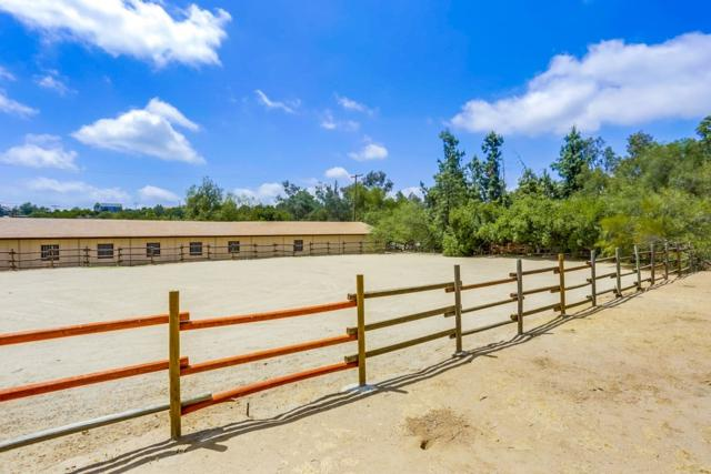 18928 Paradise Mountain Rd, Valley Center, CA 92082 (#180027273) :: Ascent Real Estate, Inc.
