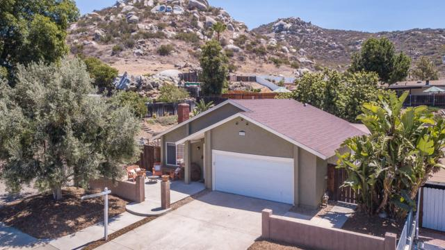10349 Escadera, Lakeside, CA 92040 (#180032008) :: Bob Kelly Team