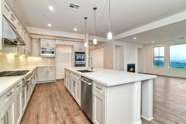 14577 Highcrest Court, Poway, CA 92064 (#180032808) :: Coldwell Banker Residential Brokerage