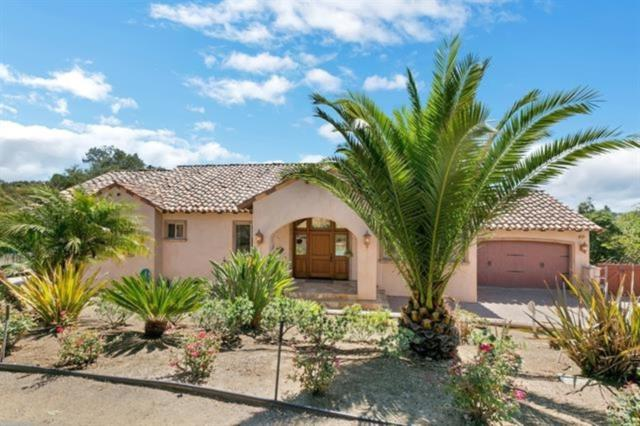3281 Reche Rd., Fallbrook, CA 92028 (#180034816) :: The Yarbrough Group