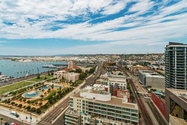 1325 Pacific Hwy #2305, San Diego, CA 92101 (#180044223) :: The Yarbrough Group