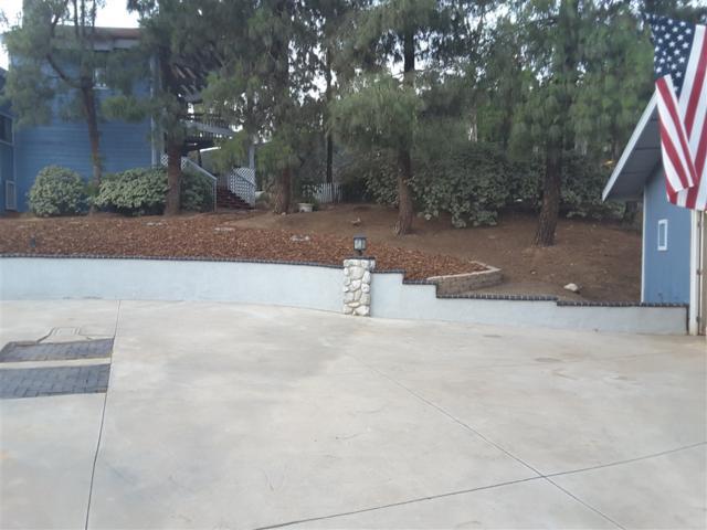 10645 Oak Creek Dr, Lakeside, CA 92040 (#180049378) :: Coldwell Banker Residential Brokerage