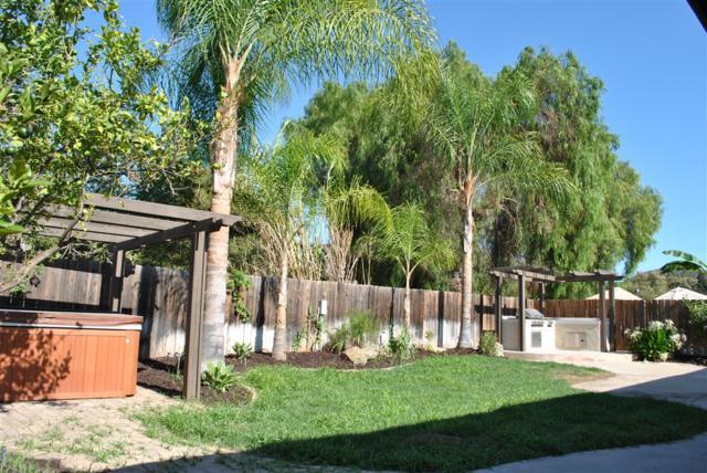 8613 Big Rock Rd, Santee, CA 92071 (#180050167) :: Keller Williams - Triolo Realty Group