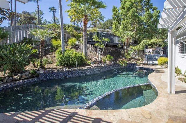 1139 York Dr, Vista, CA 92084 (#180052516) :: Allison James Estates and Homes