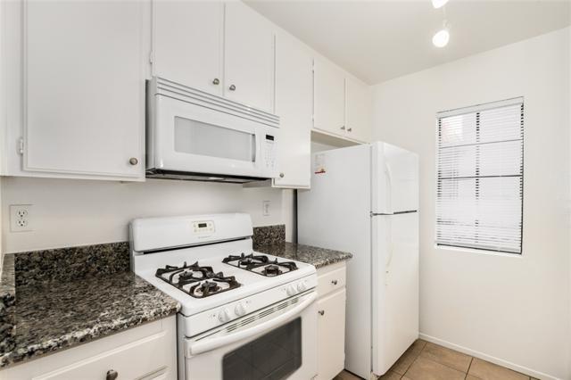 10339 Azuaga St #210, San Diego, CA 92129 (#180056774) :: Keller Williams - Triolo Realty Group