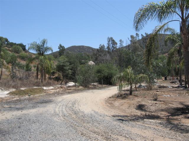 2862 Country Club #3, Escondido, CA 92029 (#190013721) :: Neuman & Neuman Real Estate Inc.