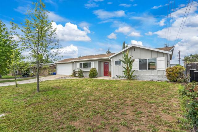 13426 Buxton Avenue, Poway, CA 92064 (#190019573) :: The Yarbrough Group