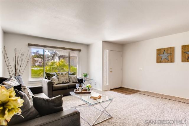 5340 Oakleaf Pt, San Diego, CA 92124 (#190022097) :: Farland Realty