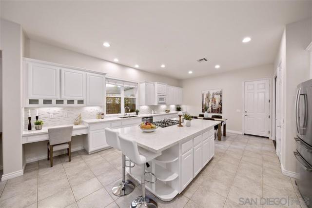 3917 Lago Di Grata Circle, San Diego, CA 92130 (#190039474) :: Neuman & Neuman Real Estate Inc.