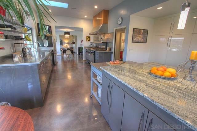 1949 Bluebell Ln, Fallbrook, CA 92028 (#190046282) :: Allison James Estates and Homes