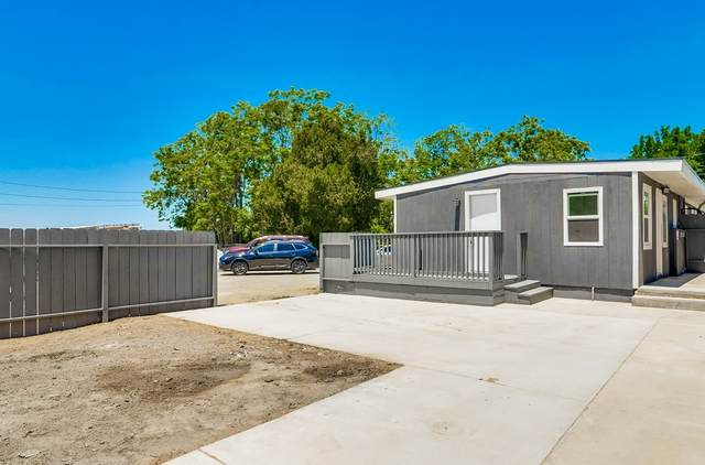 43843 D Street, Hemet, CA 92544 (#200023974) :: SunLux Real Estate