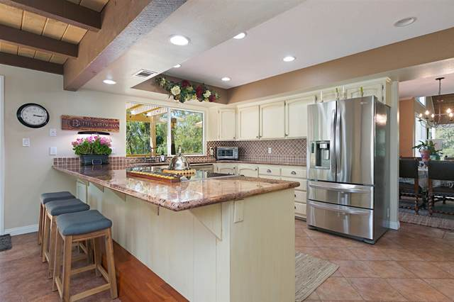 13427 Calle Colina, Poway, CA 92064 (#200039499) :: SunLux Real Estate
