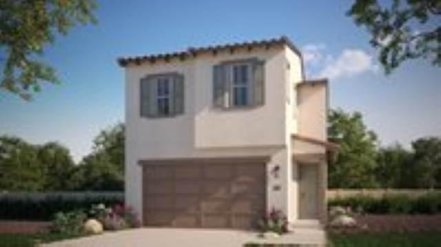 1979 Carol Lee Lane, Escondido, CA 92026 (#200043497) :: Neuman & Neuman Real Estate Inc.