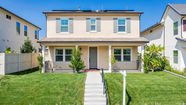 2921 Fledgling Drive, Escondido, CA 92029 (#200045490) :: Team Forss Realty Group